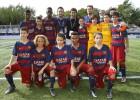 Barça stop U12s from having photo taken with Raúl, then relent