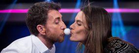 Alessandra Ambrosio con Pablo Motos