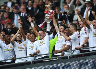 Mata and Lingard help United lift the FA Cup