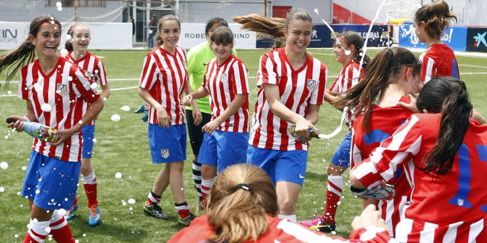 Womens football the atltico madrid girls win two all boys atltico madrid under 14s girl team voltagebd Image collections