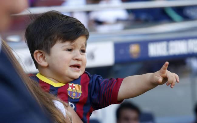 Lionel and Thiago Messi - Padre e' Hijo 2016 HD - YouTube