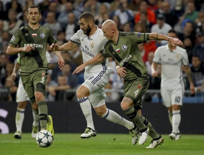Karim Benzema in action against Legia last night.