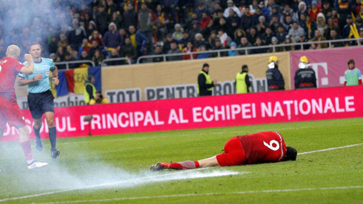 Violence at Romania-Poland football match, 2 hospitalised