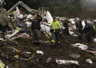 Plane carrying Brazilian team Chapecoense crashes in Colombia