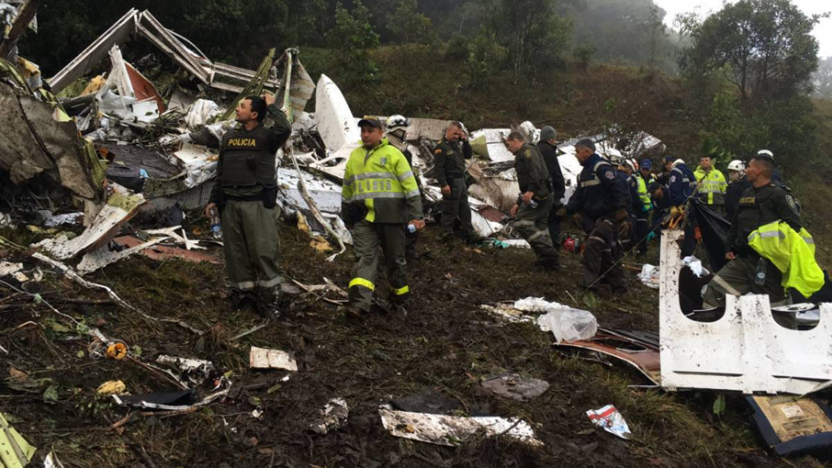 In Colombia crashed a plane with Brazilian soccer players 88