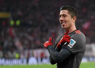 Lewandowski fires Bayern back to the Bundesliga summit