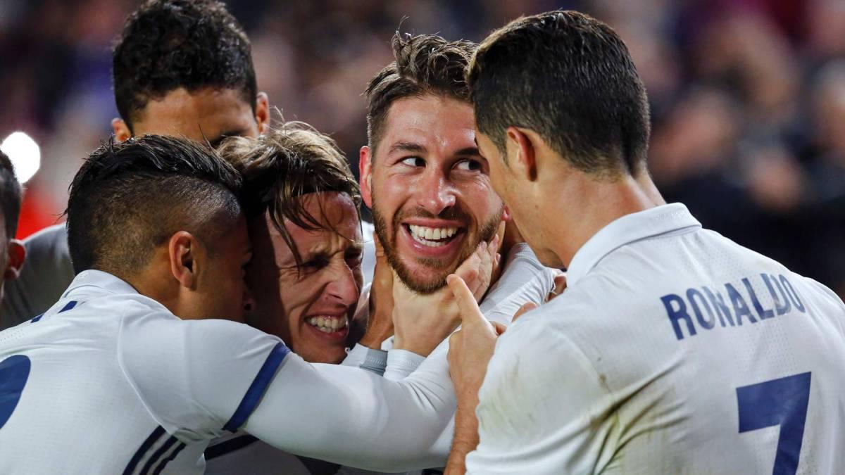 Real tôn vinh Ramos trong phòng thay đồ Nou Camp