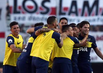 Boca Juniors win El Súperclásico to go top of Primera division