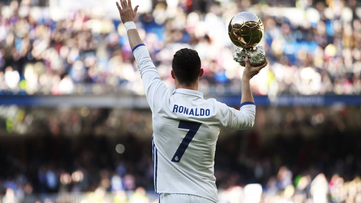 4e97d8d7a2e Cristiano Ronaldo s new Nike boots celebrate golden 2016
