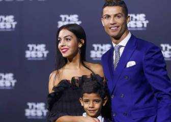 Cristiano Ronaldo lifts FIFA Best Player Award 2016