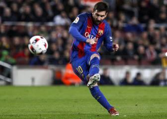 Messi equals Koeman's Barcelona free-kick record