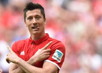 Lewandowski calms fitness fears after training scare