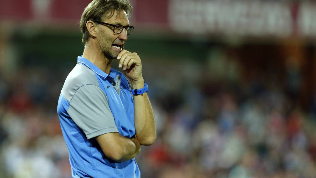 Tony Adams: Granada lose to Celta in new coach's first match