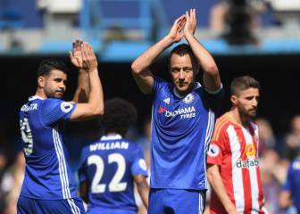 Chelsea's John Terry given emotional guard of honour