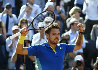 Wawrinka through to French Open final after thriller