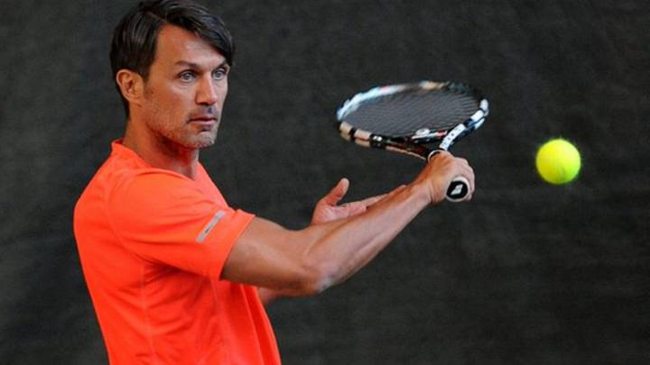 Paolo Maldini sails into Milan tennis tournament