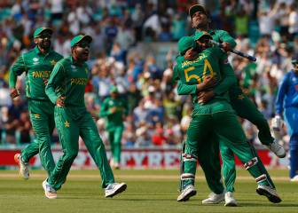 Pakistan crush India to win the ICC Champions Trophy
