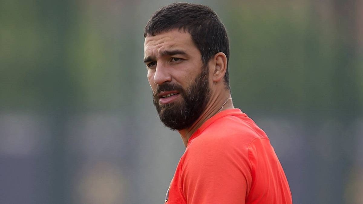 Arda Turan Out of shape Bar§a player pictured enjoying hols AS