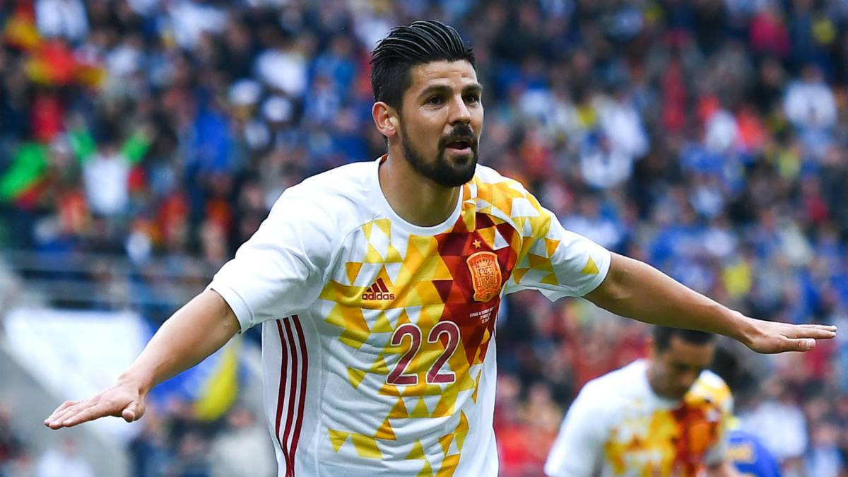 Manchester City's Nolito to have Sevilla medical