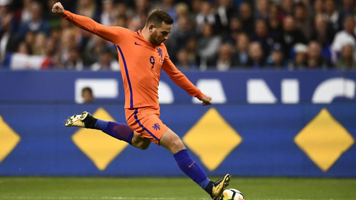 Vincent Janssen joins Fenerbahce from Tottenham on season's loan