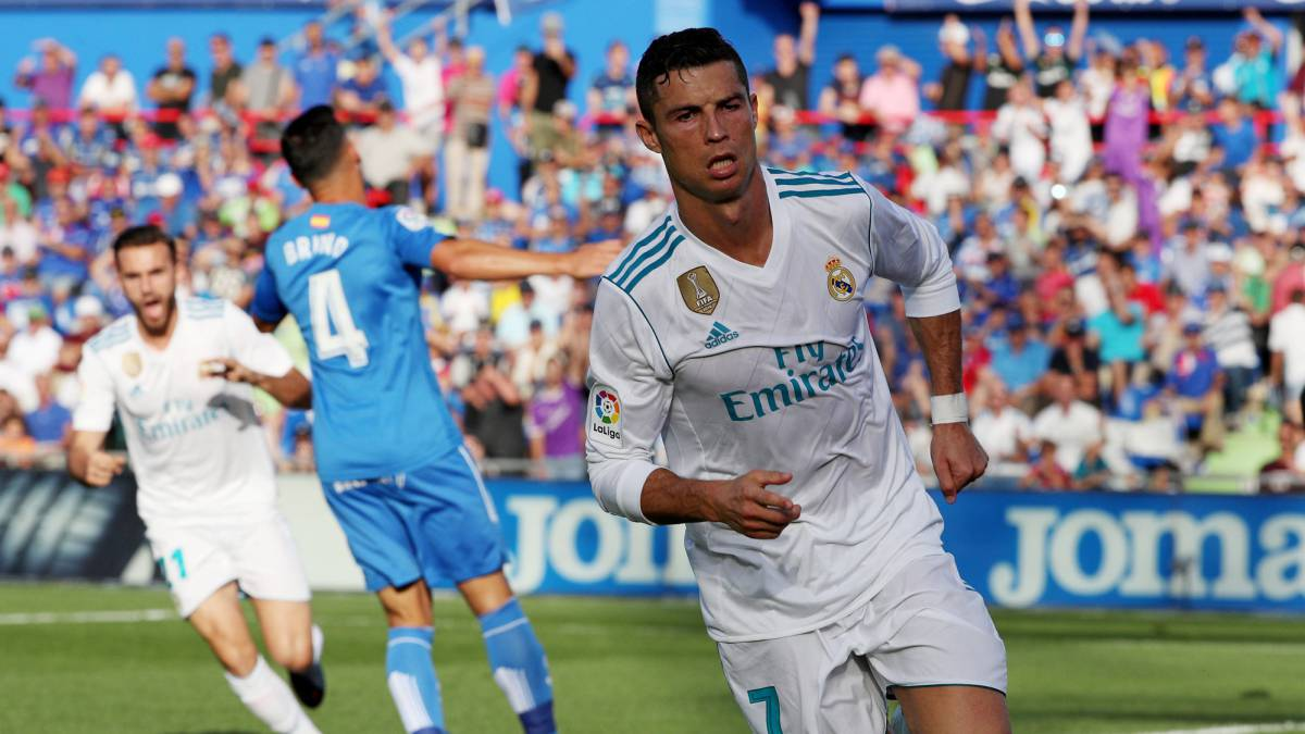 Ronaldo Imposter Arrested on Sidelines of Real Madrid vs Getafe