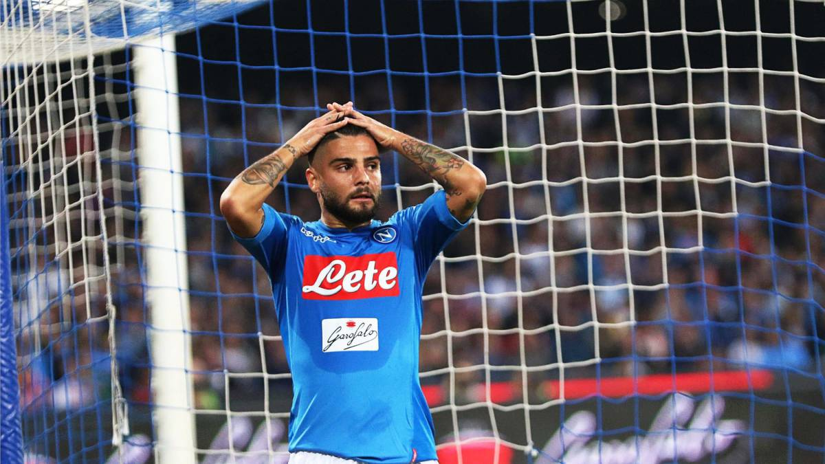 Napoli s Lorenzo Insigne reacts during the Italian Serie A soccer match  between SSC Napoli and Inter 4aec349c9b4dc