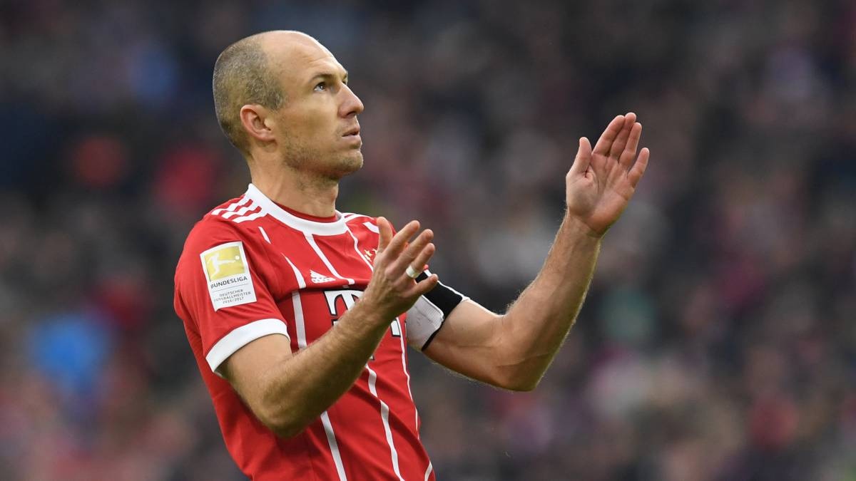 Robben opens door to retirement at season's end