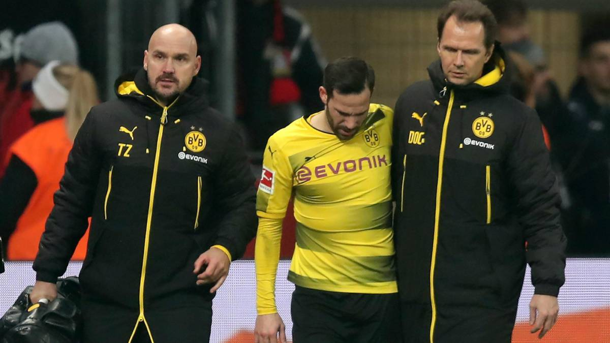 Dortmund add Philipp, Castro to 'growing injury list'
