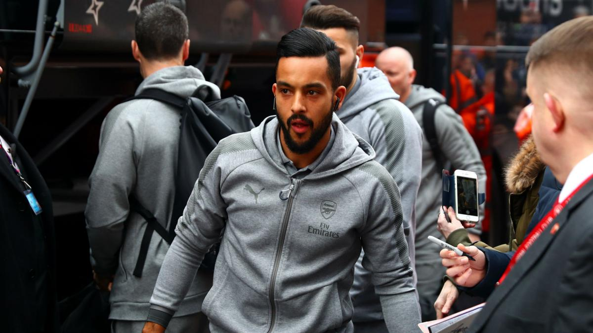 Walcott joins Everton in £20m deal from Arsenal