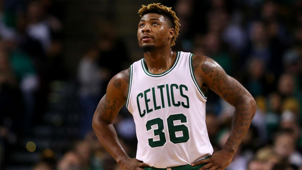 Celtics guard Smart hurt taking a swipe