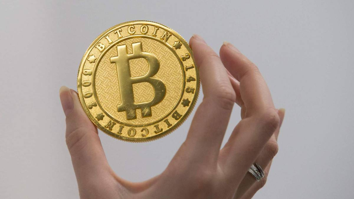 Bitcoin: Turkish amateur club claim cryptocurrency transfer first