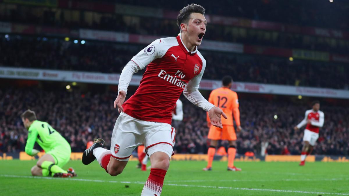 Ozil Signs Long Term Arsenal Deal As