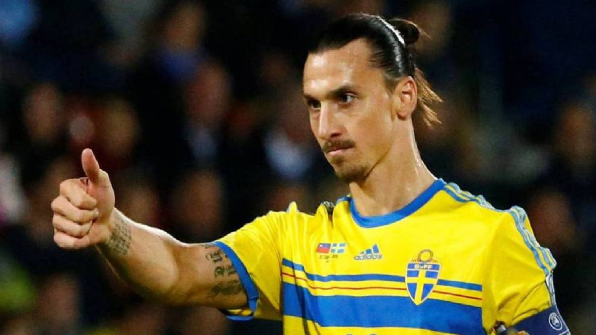 Zlatan Ibrahimovic hints at comeback for Sweden at World Cup