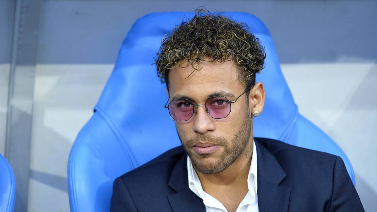 Neymar 2000 percent certain to stay, says PSG president