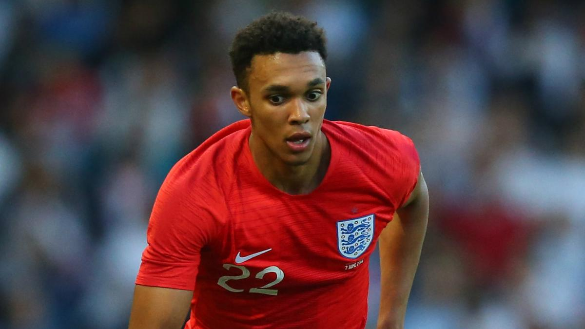 Big-hearted Alexander-Arnold pays for young fan's England shirt