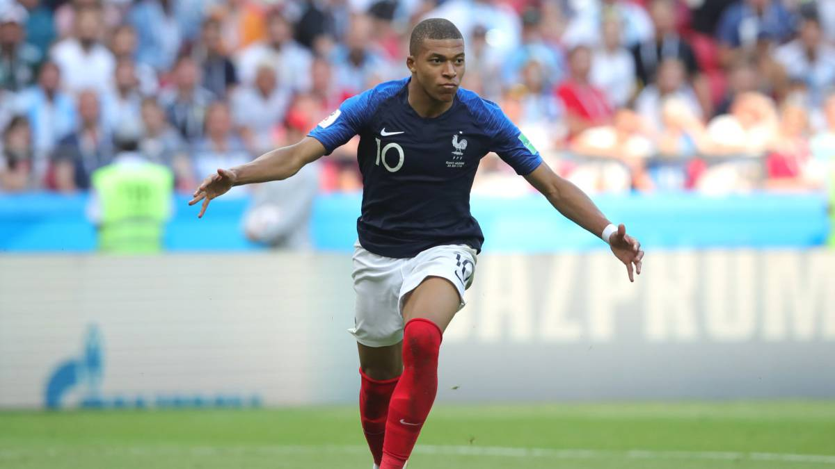 Mbappé youngest player to score brace in World Cup game since Pele ... 3ab67c04d