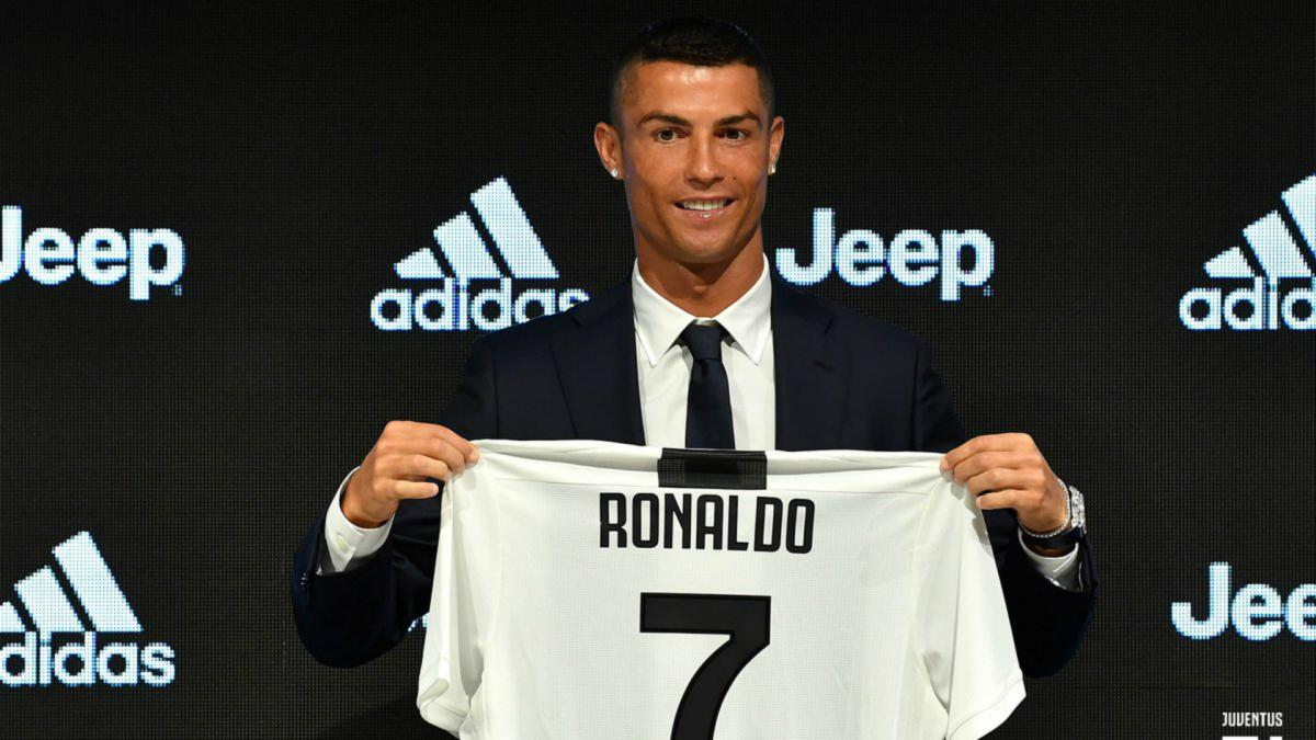 bf4c5e1e6 Spinazzola ribs Ronaldo over Juventus number  I let him have it - AS.com