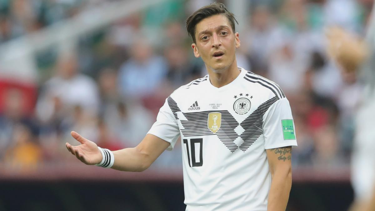 Mesut Ozil named in Arsenal squad for Singapore tour