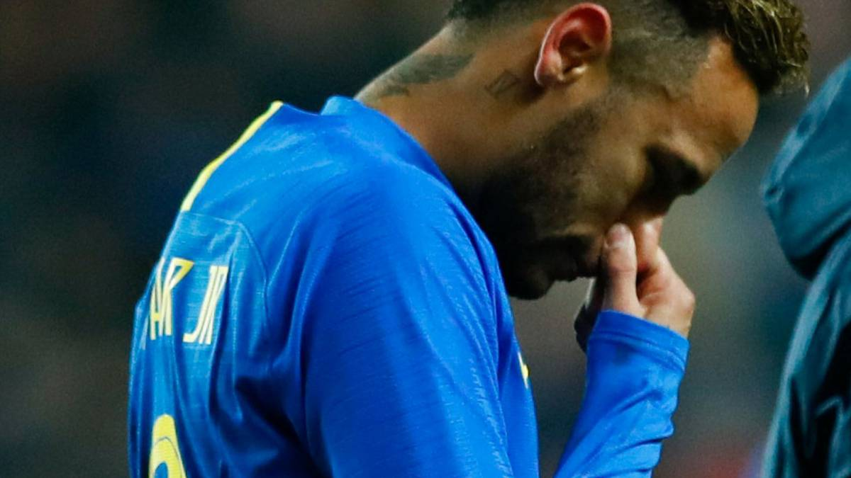 Neymar, on his injury: I don't think it's serious