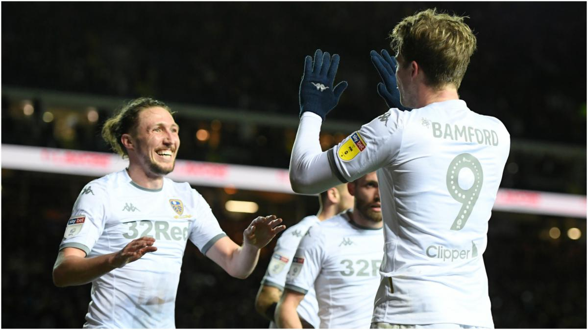 Leeds United players volunteer to take wage deferral amid coronavirus disruption