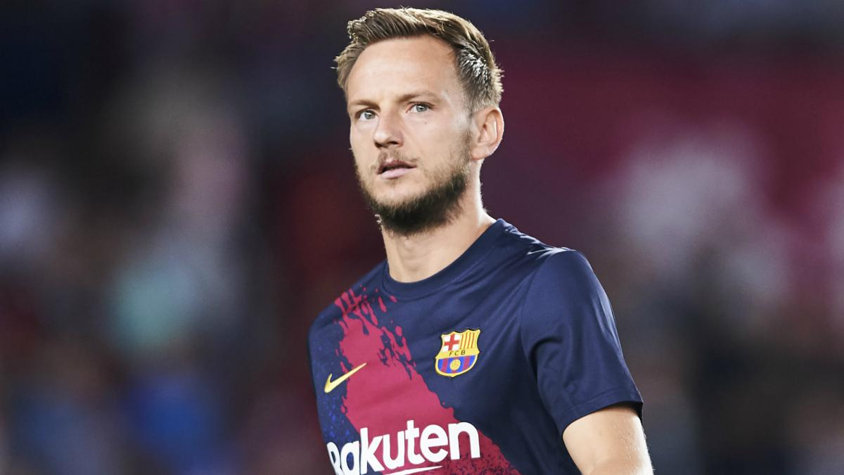 Ivan Rakitic hits out at Barcelona treatment amid failed PSG move