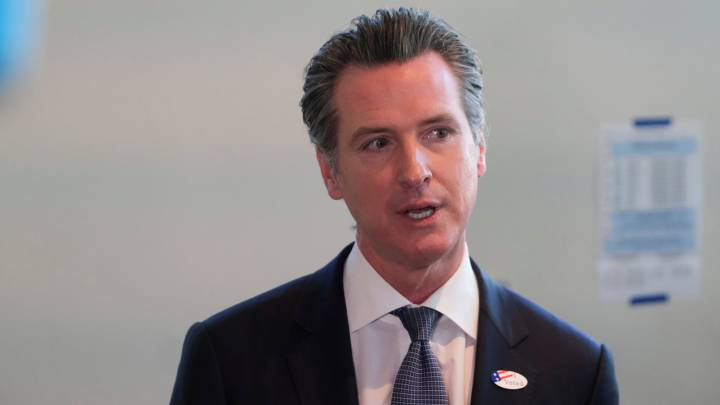 Hair salons, barber shops to reopen under Newsom's coronavirus plan