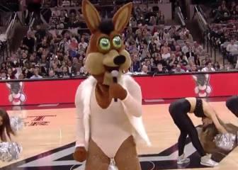 La mascota de los Spurs también trolea a Mariah Carey