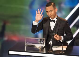 El desconocido Premio Puskas que casi no pudo desbloquear su móvil para leer el discurso