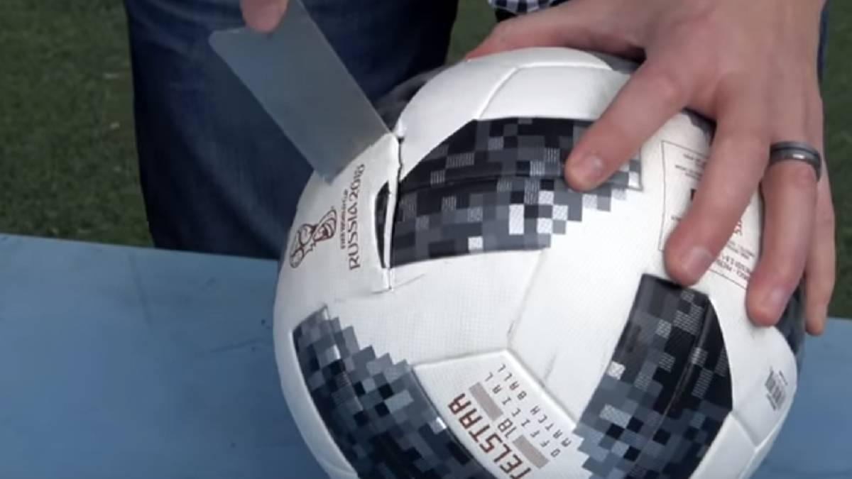 11597fca81015 Telstar 18  ¿Qué hay dentro del balón del Mundial y dónde está su ...