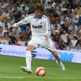 El Real Madrid confirma su condición de principal candidato al título. Fútbol