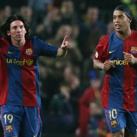 Los amigos de Messi y Ronaldinho se enfrentan entre si. Fútbol