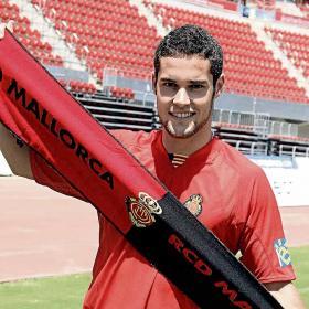 El Mallorca fichó ayer a Ayoze por tres temporadas