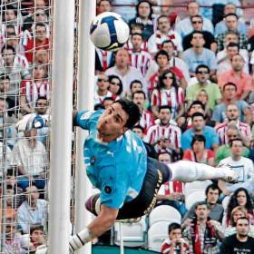 Asenjo... al Atleti - Página 3 Sergio_Asenjo_entra_orbita_FC