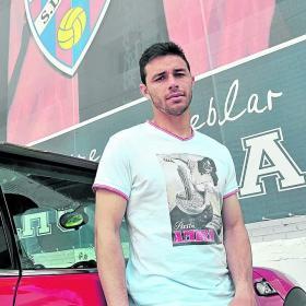 Rubén Castro trae el morbo con su regreso